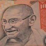 Gandhi, Fluitend Opstaan, vrede, geweldloosheid